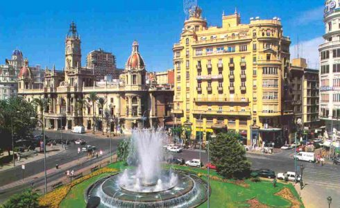 plaza-del-ayuntamiento-490x300